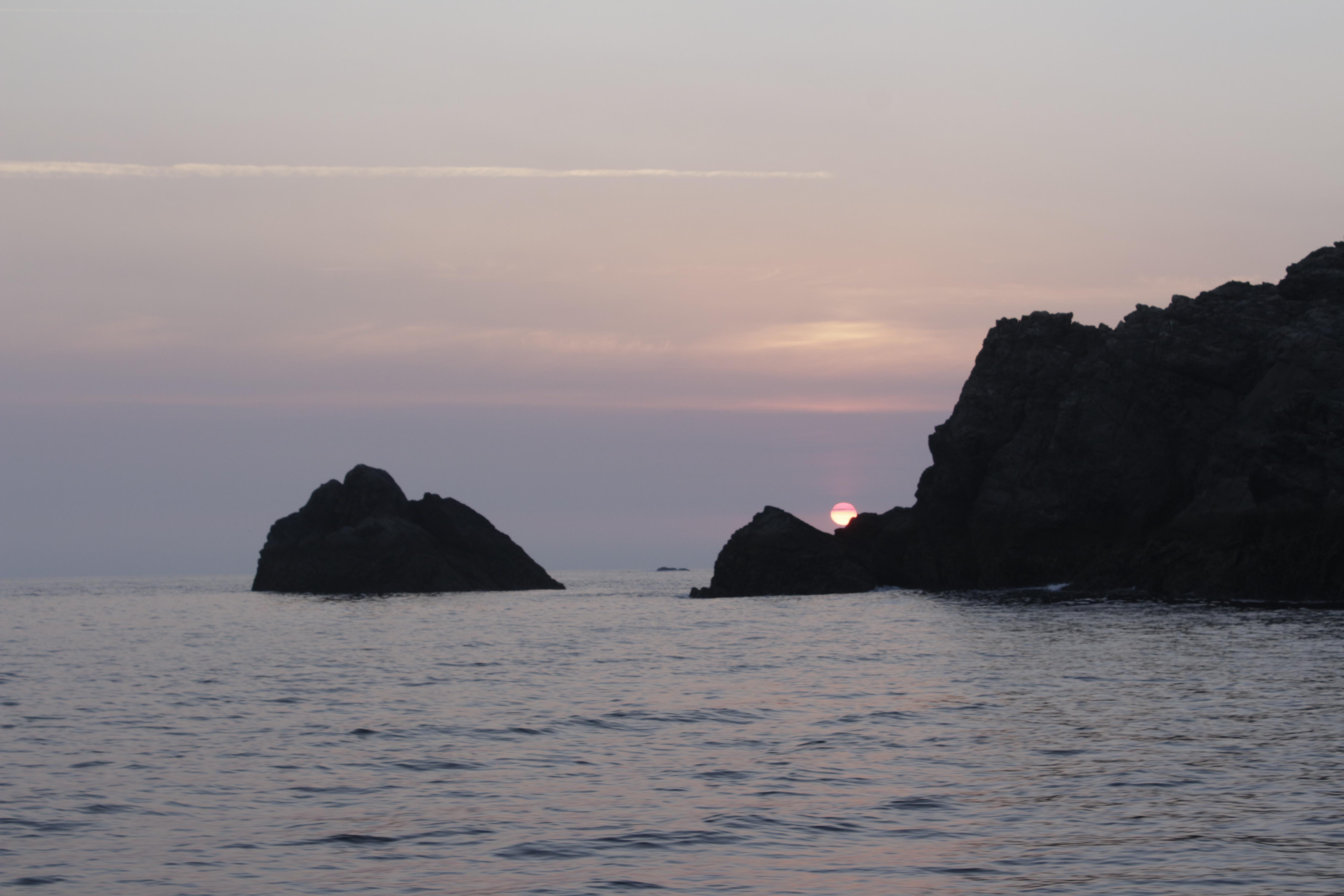 Coucher de soleil pour notre arrivée à Belle Ile en Mer